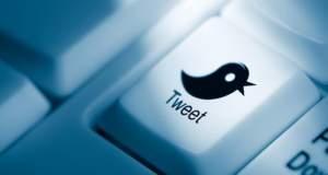 Tweetάροντας τον ανασχηματισμό