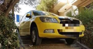 Το απίστευτο παρκάρισμα ενός ταξιτζή στο Παγκράτι