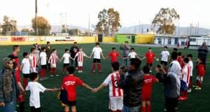 Ελληνάκια και προσφυγάκια έβαλαν γκολ στον... ρατσισμό! [ΒΙΝΤΕΟ]