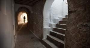 Το ελληνικό χωριό - λαβύρινθος που δεν έχει πλατεία