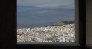 Αθήνα θέα, Αθήνα θεά ή μήπως «συν Αθηνά και χείρα κίνει»;