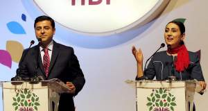 Διπλό χτύπημα Ερντογάν στο HDP: Στη φυλακή ο πρόεδρος και η συμπρόεδρος του κόμματος
