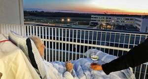 Ένα τσιγάρο και λίγο κρασί: Νοσοκόμες έκαναν πράξη την τελευταία επιθυμία ασθενή!