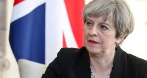Τ. Μέι: Οι «27» ενώνονται εναντίον της Βρετανίας