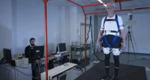 Ρομποτικός εξωσκελετός βοηθά ηλικιωμένους και ανθρώπους με κινητικά προβλήματα [ΒΙΝΤΕΟ]