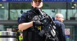 Στρατός στους δρόμους της Βρετανίας - Στο πέντε το επίπεδο συναγερμού
