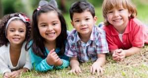 Τέσσερις μέθοδοι για μια ευτυχισμένη παιδική ηλικία
