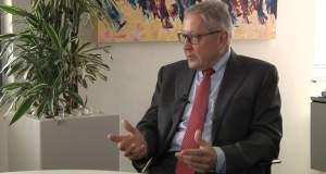 Οι δηλώσεις Ρέγκλινγκ και τα παιχνίδια κυριαρχίας στη «νέα ευρωζώνη»