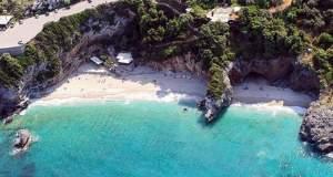 Η παραλία του Μηλοπόταμου από ψηλά [ΒΙΝΤΕΟ]