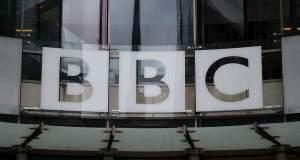Ίλιγγος από τους μισθούς στο BBC, αντιδράσεις για το χάσμα μεταξύ ανδρών και γυναικών