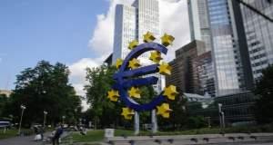 Επιστροφή στις αγορές με «λογικό επιτόκιο» προτείνει στην ελληνική κυβέρνηση η ΕΚΤ