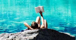 10 βιβλία που πρέπει να διαβάσετε αυτό το καλοκαίρι
