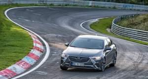 Το Opel Insignia GSi δοκιμάζει τα όριά του στο Nürburgring