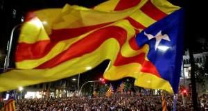 Ο Ραχόι διαλύει την καταλανική Βουλή και προκηρύσσει εκλογές -Πραξικόπημα καταγγέλλει η Βαρκελώνη