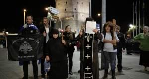 Χρυσαυγίτες βουλευτές μήνυσαν την παράσταση «Η Ώρα του Διαβόλου» [ΒΙΝΤΕΟ]