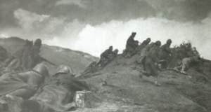 Συγκλονιστικά καρέ από την αντίσταση - Με τους αντάρτες στα βουνά
