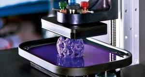Τρισδιάστατος εκτυπωτής με μελάνι από βακτήρια παράγει «ζωντανά» υλικά [ΒΙΝΤΕΟ]