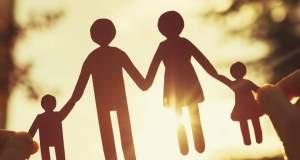 Η «μητέρα» και ο «πατέρας» είναι φιγούρες που υπερβαίνουν το φύλο