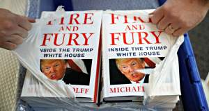 Το βιβλίο που «καίει» τον Τραμπ μεταφέρεται στη μικρή οθόνη