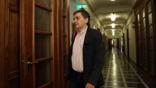 Συνάντηση υπουργών-θεσμών, κλείνουν συνταξιοδοτικό, «κόκκινα» δάνεια, άνοιγμα επαγγελμάτων