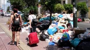 Κυβέρνηση - ΠΟΕ-ΟΤΑ: «Μπρα ντε φέρ» με φόντο τα «βουνά» των σκουπιδιών