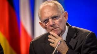 Deutsche Welle: Το τεχνητό προεκλογικό θρίλερ για την ελληνική δόση και ο ρόλος του Σόιμπλε