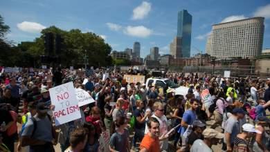 Χιλιάδες διαδηλωτές κατά του ρατσισμού στους δρόμους της Βοστόνης [BINTEO]
