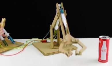 Πως να φτιάξετε μόνοι σας έναν ρομποτικό βραχίονα! [ΒΙΝΤΕΟ]