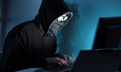 Σύντομα στα χέρια των χάκερ ο έλεγχος των αυτοκινήτων στους δρόμους