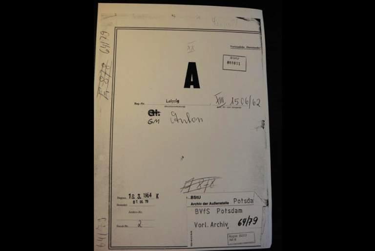 Ο Anton, η ΣΤΑΖΙ και 12.000 σελίδες γεμάτες «καρφιά»