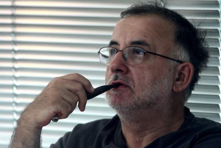 Ανοιχτή επιστολή του Θάνου Μικρούτσικου: Το ελληνικό τραγούδι για πρώτη φορά κινδυνεύει να πεθάνει