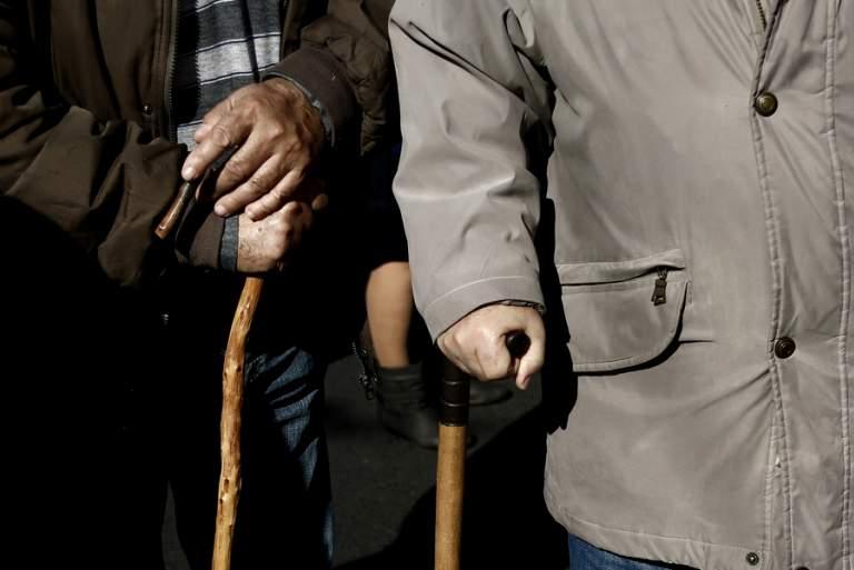 Η ανερχόμενη πολιτική ισχύ του «κόμματος των συνταξιούχων»