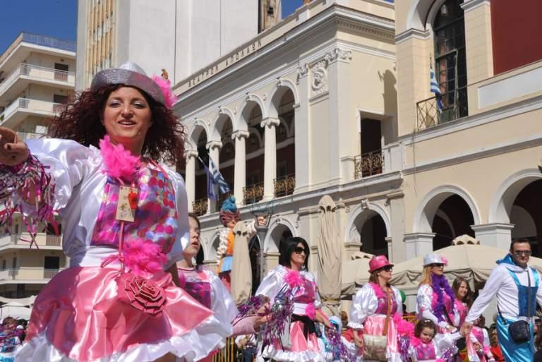Πάτρα: Μπήκε σε ρυθμούς καρναβαλιού η πόλη