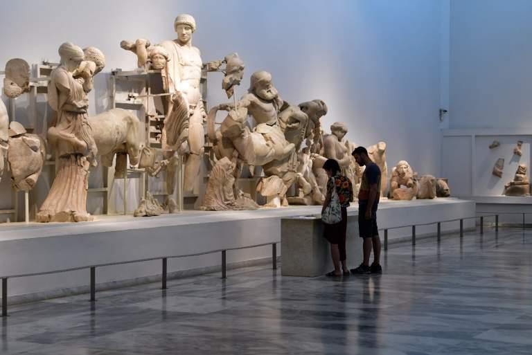 Αρχαιολόγοι  και αντιπολίτευση προς Μενδώνη:  Όχι στις «δανεικές κι αγύριστες» αρχαιότητες