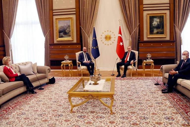 Διπλωματικό επεισόδιο Ιταλίας - Τουρκίας για το «Sofa-gate»