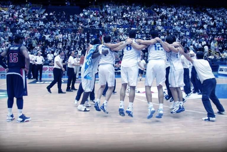 Οταν η Dream Team υποκλίθηκε στην Greek Team